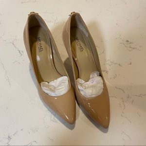 Michael Kors Nude Pumps Size 5